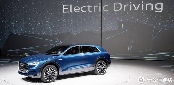 【值日声】还只知道特斯拉?奔驰奥迪都出电动车了!5w到200w的新能源车大盘点!你愿意花多少钱买?