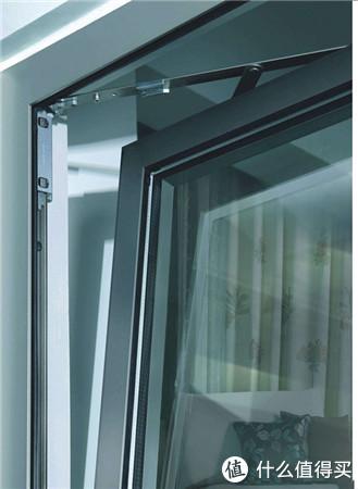 天津一朋友装修刚买的断桥铝门窗,却被师傅告知买的水货!