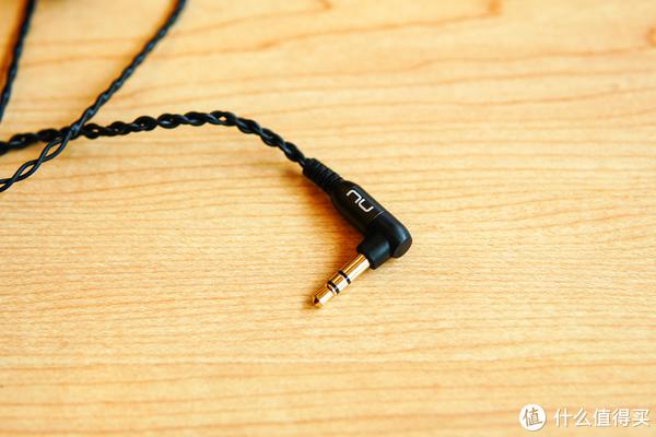 冷门的四单元动铁耳机,评价两极分化—NuForce HEM8
