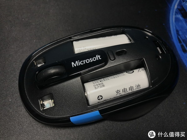 N年后再次购买:Microsoft 微软 Sculpt Comfort 舒适滑控蓝牙鼠标