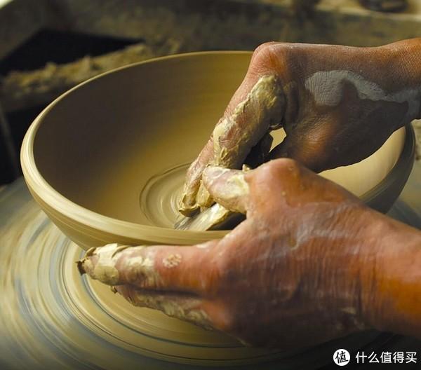 陶轮塑形,九谷烧