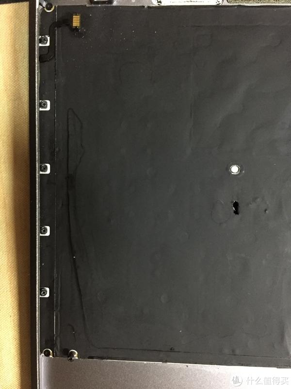 拆键盘两边的螺丝