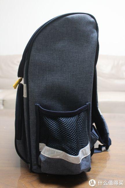 给一年级小朋友准备的入学礼物—DELSEY 法国大使 小黄人双肩包 开箱