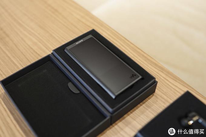 索尼小黑砖到底行不行?SONY 索尼 NW-ZX300A+XBA-N3BP 随身播放器开箱