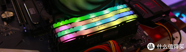 超频三 超神 Super God DDR4 RGB内存条 首上市