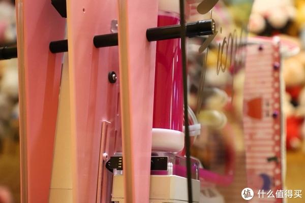 FUXK FIONA 佩奇猪小妹主题水冷装机show