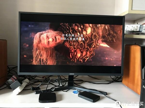 电影内嵌的字幕位置错误(而且不能调整位置)。但音轨正常出声。