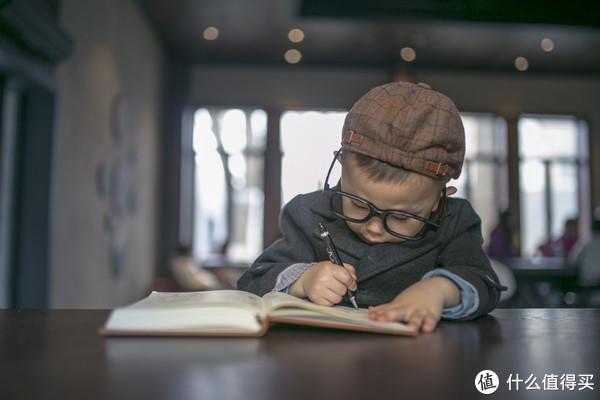 再苦不能苦孩子 孩子的学习桌选购指南