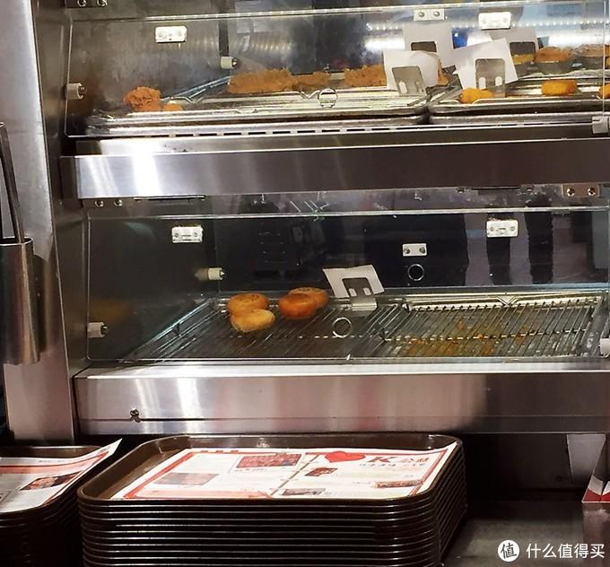 烤箱角落里的月饼,看起来有点惨
