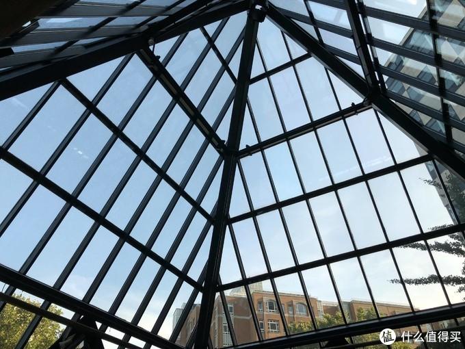 仿贝聿铭给卢浮宫的设计