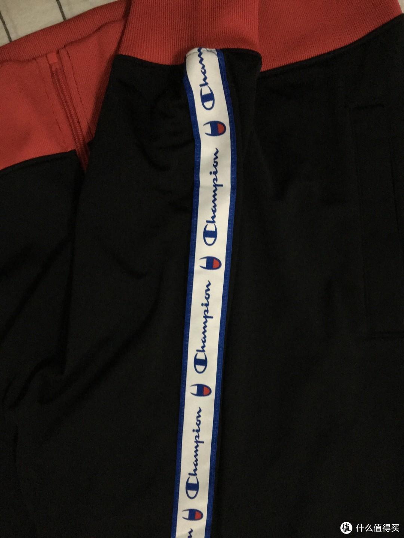 这个秋天,我买了一件超级skr的champion串标卫衣!