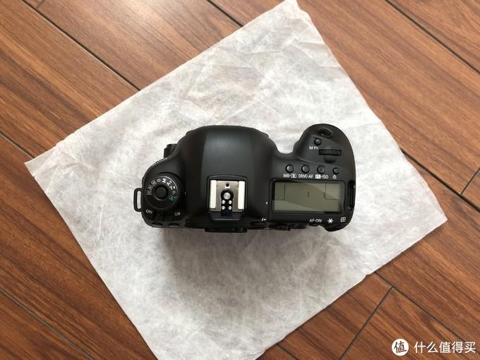 我的无敌狮——佳能 Canon EOS 5D Mark IV开箱晒物