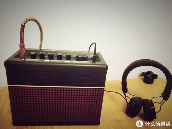 26.5*20.5*12.5cm(手工测量),和耳机对比一下