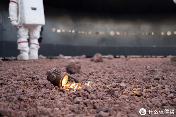 """只留下""""火星居民""""孤独的背影"""