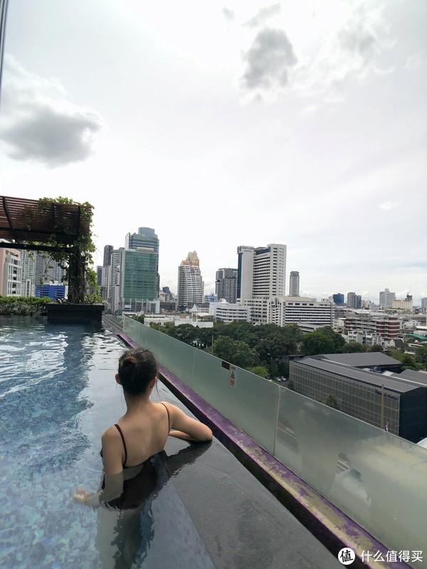 酒店15楼泳池