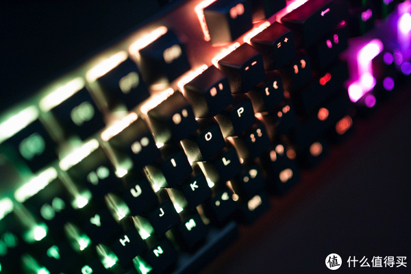 英雄联盟吃鸡如虎添翼!XANOVA 星极磁爆XK700 RGB 104键电竞机械键盘体验
