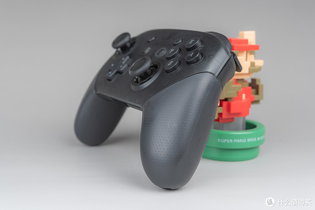 Nintendo 任天堂Switch Pro手柄开箱体验:不止用于NS,更是手感不俗的Steam手柄