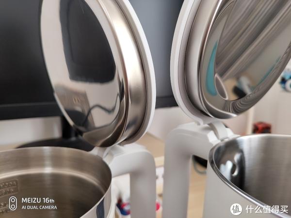 壶盖、壶开口边沿差别(右侧为99元米家电水壶)