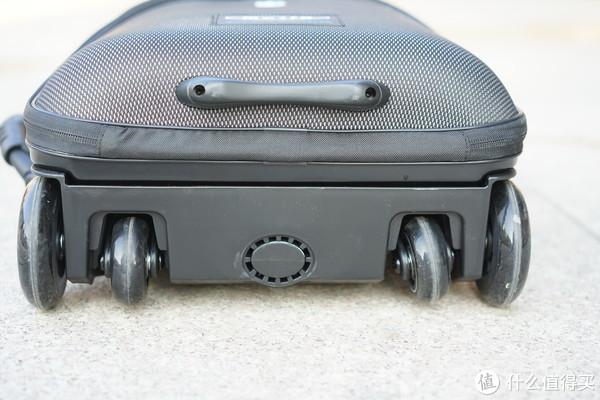 收纳带娃两不误— micro 懒人行李箱上手体验