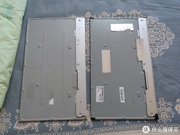 左侧:X宝购买,右侧:拆机碎屏