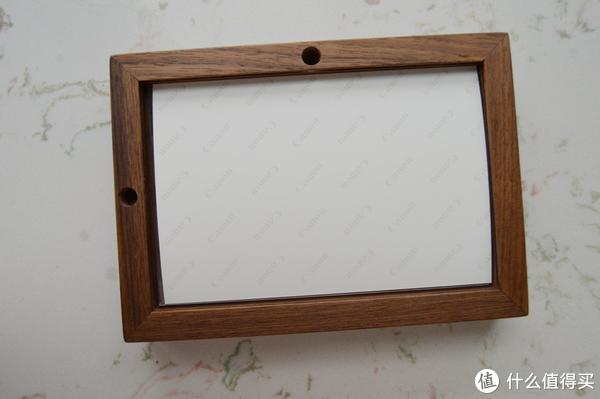 家居小摆设:胡桃木简洁设计原木相框