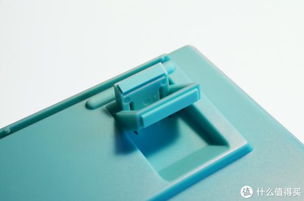 AKKO&DUCKY清新配色键鼠颜值在线 入门机械键盘的不错选择