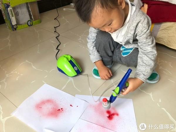 """""""熊孩子""""的涂鸦新武器 Crayola 绘儿乐 炫彩喷绘枪"""