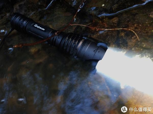 性能之选—NITESUN B58U狩猎强光手电测评