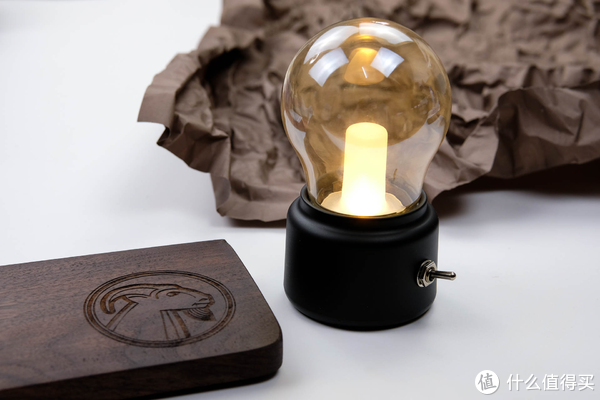 给床头加一盏不一样的怀旧小夜灯:BANANA 复古拨杆怀旧灯泡小夜灯