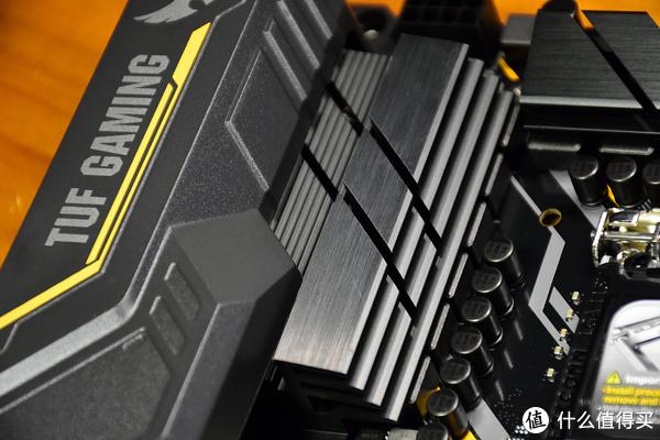 华硕 TUF Z390-PLUS GAMING (WIFI)开箱简测