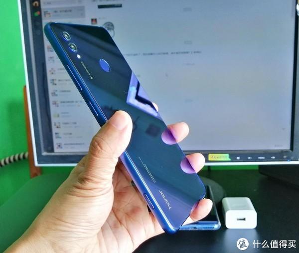 荣耀Note10 AI新机值得买吗?来看看这深度评测!