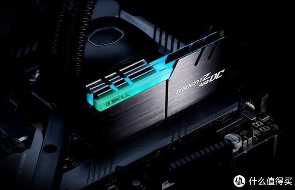 单条32GB容量:G.SKILL 芝奇 发布 Trident Z RGB DC 32GBx2 内存