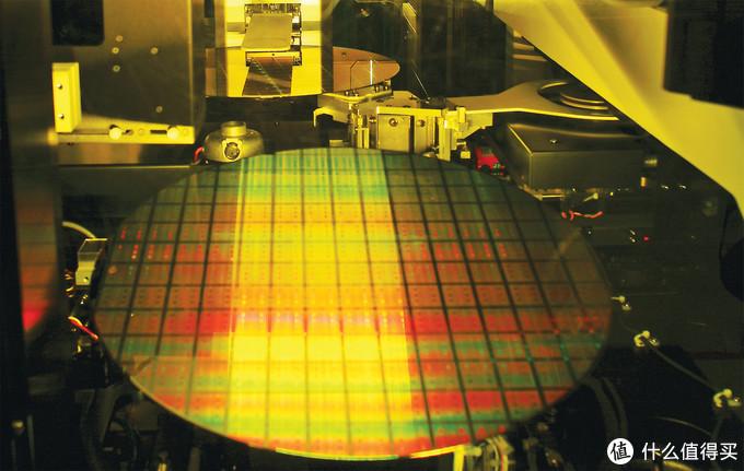 明年四月5nm:TSMC 台积电 第二代 7nm 极紫外光刻芯片下线