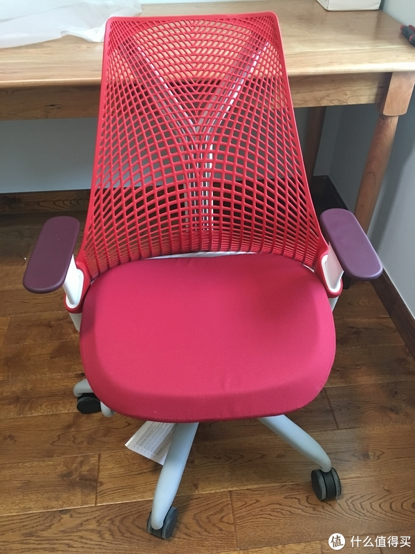 椅子也能红黑配——Herman Miller 赫曼米勒 Sayl Chair 电脑椅