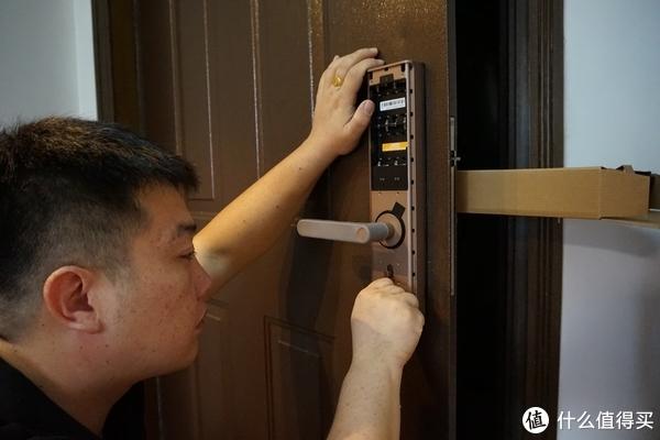 为什么需要一把能联网的指纹锁?LOOCK 鹿客 Q2评测