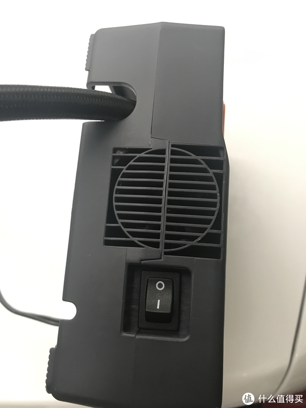 德国马牌汽车打气泵使用评测