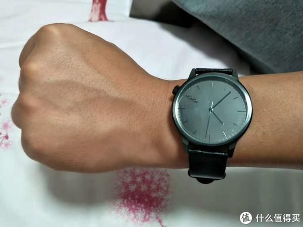 学生党可入,千元小众KOMONO男士手表