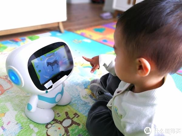 有你的每一天都是歌声与微笑—巴巴腾小嘉娱乐机器人开箱测评