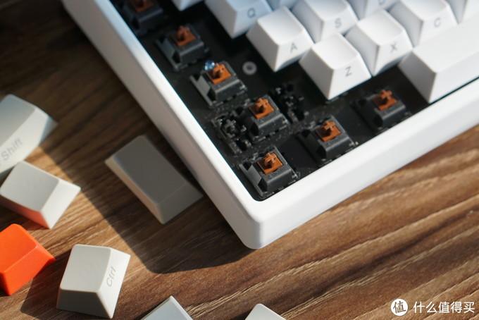 凯酷荣耀84机械键盘评测: 小而美的性价比典范