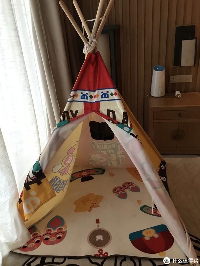 ⬆️帐篷不是特别大,如果孩子超过1.2米就很局促了