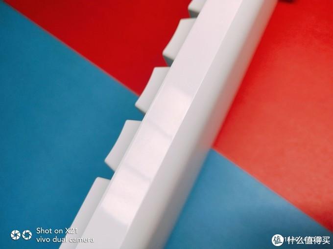 传说中的红轴泼妇——悦米104Cherry版机械键盘