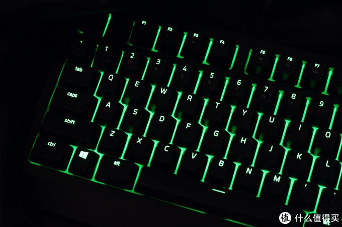 为你的桌面添加一抹电竞绿色—RAZER 键盘开箱