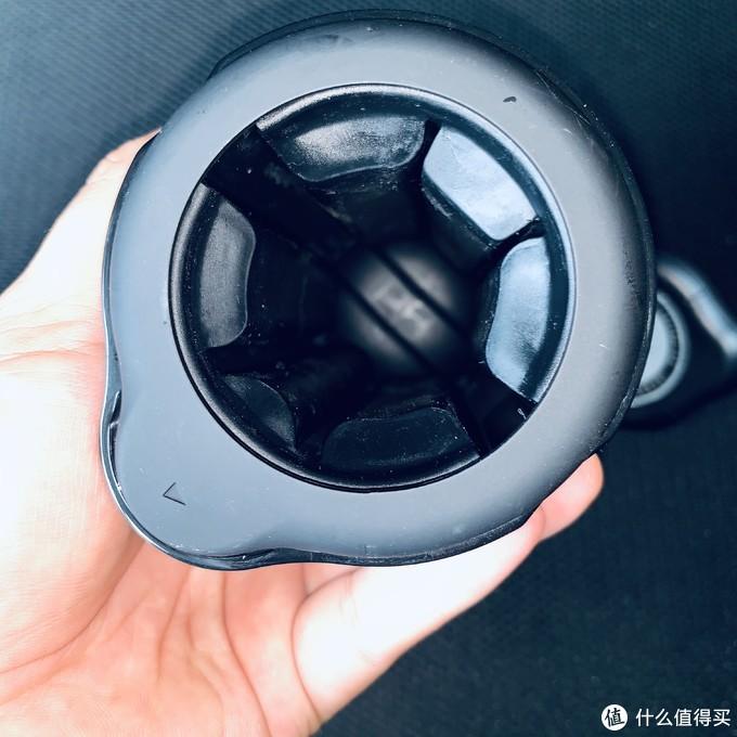 内部口径,边上是柔软的空心硅胶皮,边上还可以扩充3-5mm
