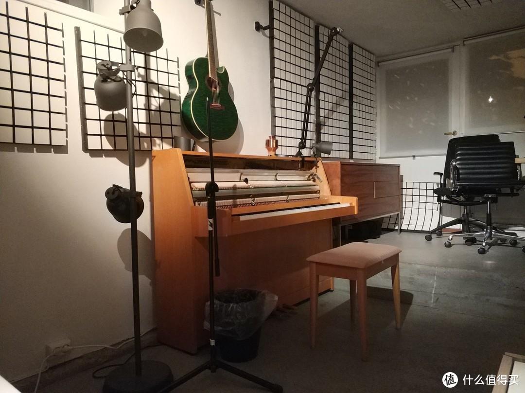 奥斯陆民宿的房东看介绍是奥斯陆当地的一个音乐人