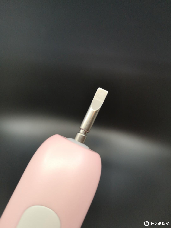 塞段彩虹进口中---Leboo电动牙刷测评