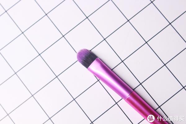 化妝新手必看—5分鐘學會使用化妝刷