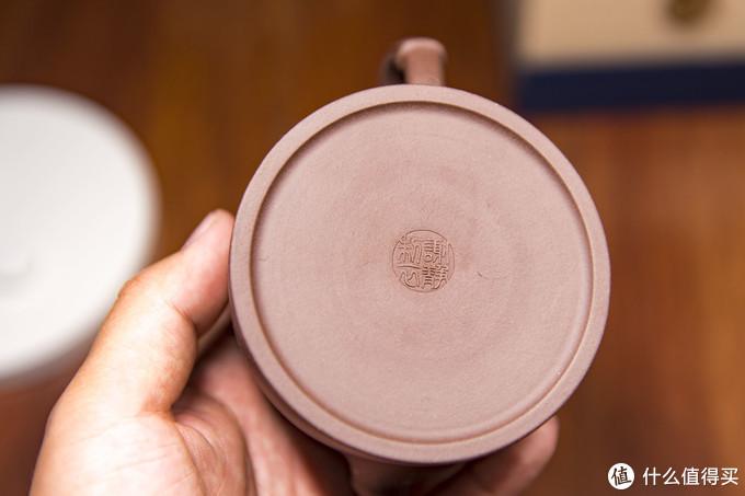 手工制作的宜兴原矿紫砂壶,体会传统饮茶之韵味