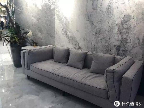 居然之家和天猫在北京最值钱的学区房附近开了家智能店铺