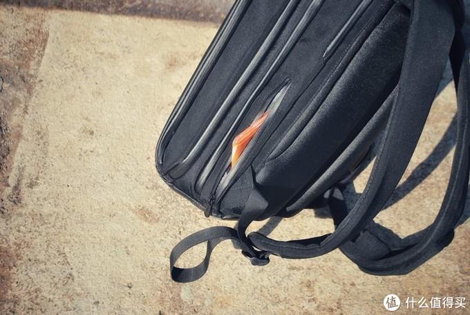 邋遢不再成为我的标签Elecom宜丽客Ruminant四气室多功能数码收纳通勤背包