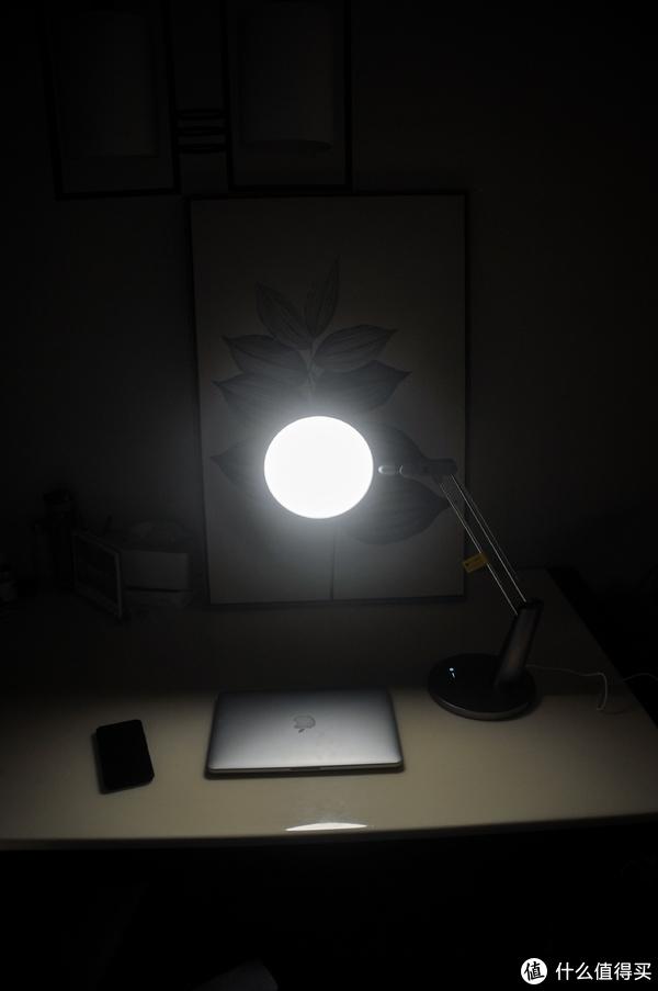 逆光也清晰,照亮你的娃—护眼灯黑科技玩家Yeelight Pro开箱攻略